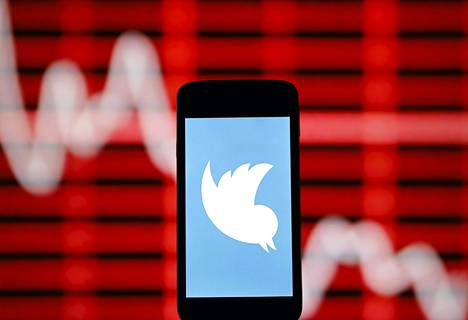 Twitterin logokuva älypuhelimen näyttöruudulla.