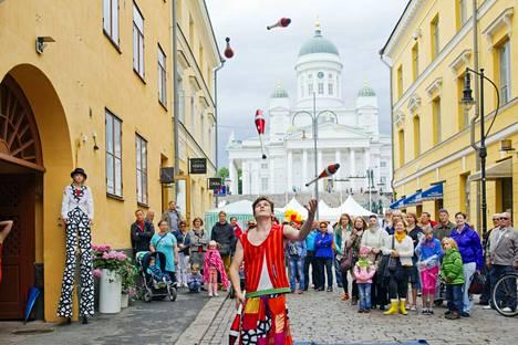 Helsinki-päivä on perinteisesti koonnut ihmisiä yhteen. Kuva on vuodelta 2018.