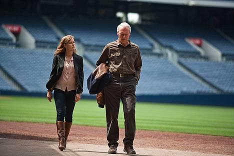 Amy Adamsin ja Clint Eastwoodin yhteispeli toimii.