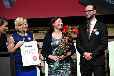 Sitran Ratkaisu 100 -innovaatiokilpailun voittivat HeadAi-hanke ja Positiivinen CV -hanke Sitran 50-vuotisjuhlissa Vantaalla torstaina 16. marraskuuta 2017.