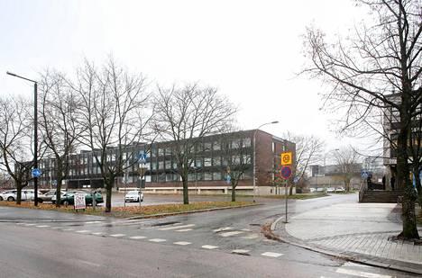 Valtion vanha virastotalo Kielotiellä on purkuvalmis.
