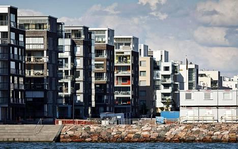 Jätkäsaareen rakentuu hyvin tiivis, kantakaupunkimainen asuinalue merenrannalle.