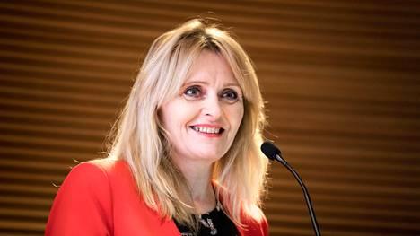 Reykjavikin apulaispormestari Heida Björg Hilmisdottir saapui Suomen eduskuntaan kertomaan, miten Islanti on parantanut nuorison hyvinvointia ja saanut vähennetyksi heidän alkoholinkäyttöään.