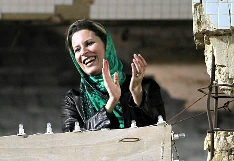 Aisha Gaddafi kuvattuna hallitusta tukevassa tilaisuudessa Tripolissa elokuussa.