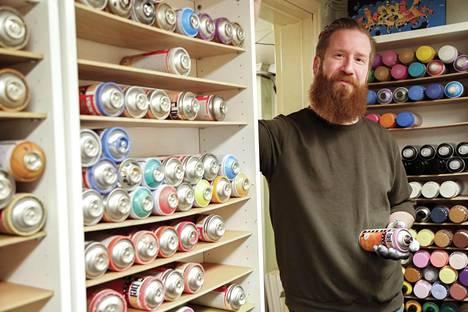 Vuodesta 2010 lähtien graffitaiteilija Jouni Väänänen on käyttänyt töissään Psyke-tägiä, aiempi oli Kesy.