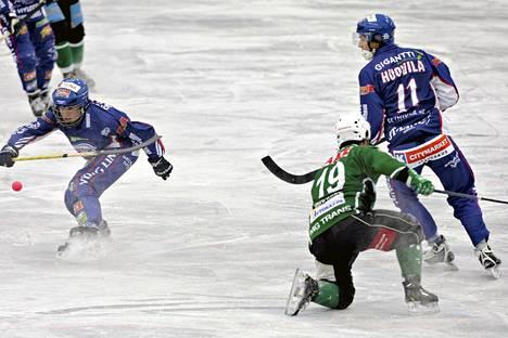Botnia ja Porvoon Akilles jakoivat kauden avausottelussaan pisteet maalein 4-4.