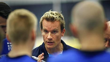 Lentopallomaajoukkueen päävalmentaja Tuomas Sammelvuo on tehnyt tuloksekasta työtä myös venäläisessä seurajoukkueessaan.