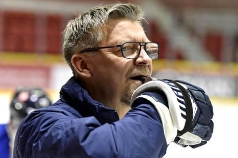 Jukka Jalonen vie joukkueensa Ruotsi vastaan sunnuntain päätöspelissä.