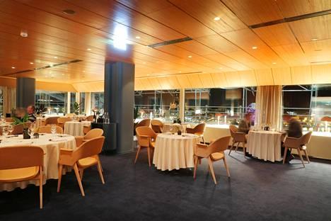 Ravintola Palace sijaitsee osoitteessa Eteläranta 10.