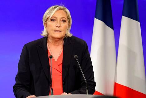 Marine Le Pen myönsi tappionsa Ranskan presidentinvaalien toisen kierroksen jälkeen 7. toukokuuta Pariisissa.