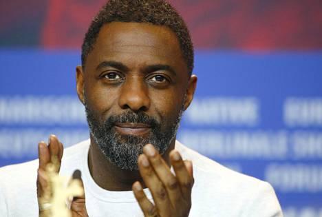 Brittinäyttelijä Idris Elba kuvattiin Berliinin filmijuhlilla viime helmikuussa.