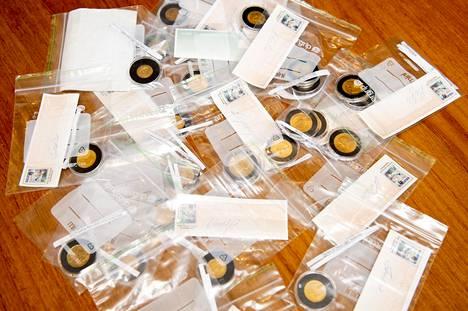 Malmin seurakunta sai tiistaina erikoisen lahjoituksen. Kultakolikkojen yhteenlaskettu summa on lähes 10 000 euroa.