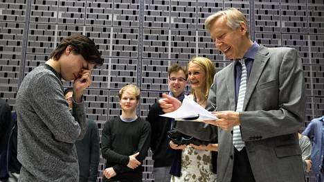 17-vuotias Tarmo Peltokoski arpoi itsensä Maj Lind -pianokilpailun aloittajaksi. Hän soittaa jo perjantaiaamuna klo 10 Helsingin Musiikkitalon Camerata-salissa.