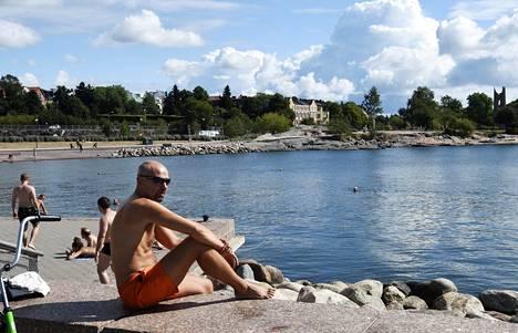 Helsingissä nautittiin auringosta sunnuntaina.