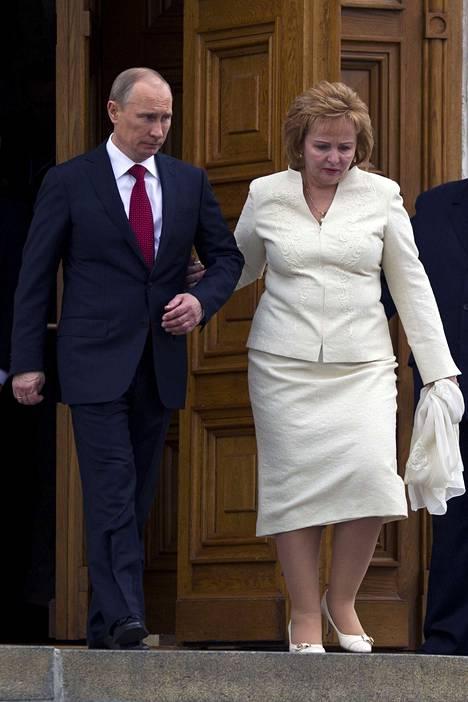Vladimir Putin ja Ljudmila Putina 7. toukokuuta, kun Putin aloitti kolmannen kautensa presidenttinä.
