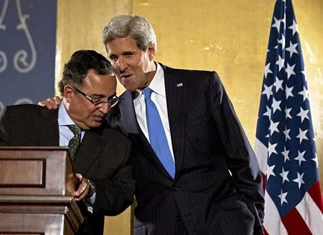 Yhdysvaltain ulkoministeri John Kerry tapasi Egyptin ulkoministeri Nabil Fahmyn Kairossa sunnuntaina.