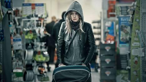 Jessica Grabowsky näyttelee 8-pallon keskushahmoa Pikeä.