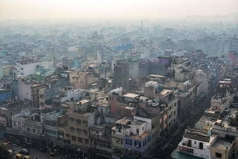 Jama Masjid -moskeijan minareetista näkyy Delhin vanhaan kaupunkiin.