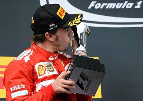 Fernando Alonso ajoi toiseksi Unkarin osakilpailussa.