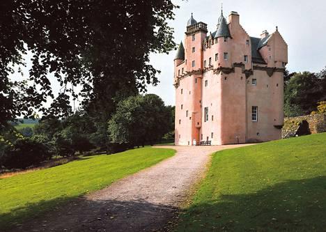 Craigievar sai uuden asun vuonna 2009 valmistuneessa remontissa. 1970-luvulla asennettu hengittämätön, kellanpunainen sementtipäällyste korvattiin perinteisellä kalkkirappauksella. Nykyinen sävy on aiempaa pinkimpi. 1800-luvun alkuun asti linna oli kermankeltainen.