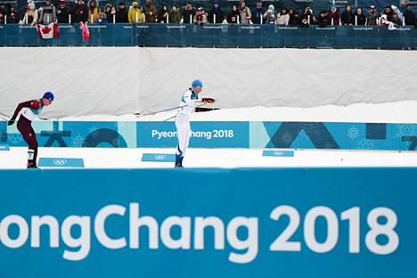 Aleksandr Bolšunov ja Iivo Niskanen kamppailivat viime talvena 50 km:n olympiavoitosta.
