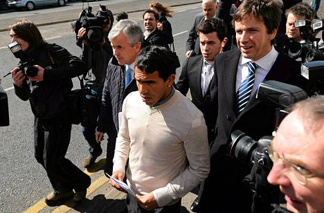 Carlos Tevez kävi keskiviikkona kuulemassa tuomionsa oikeudessa Macclesfieldissä.