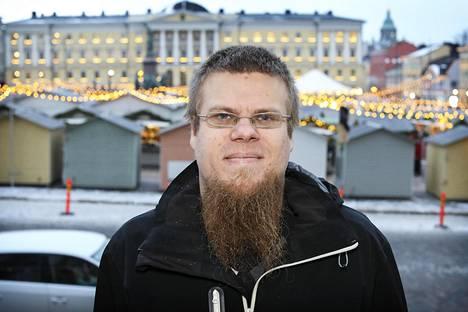 Jani Koskinen rinnastaa gradussaan murteet vähemmistökieliin.