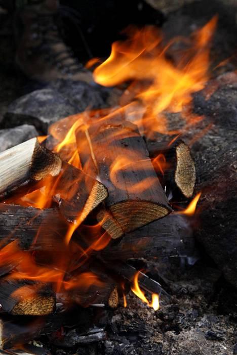 Ilmatieteen laitos on viime päivinä varoittanut Uudellamaalla metsäpalon vaarasta, eikä avotulta saa tehdä.