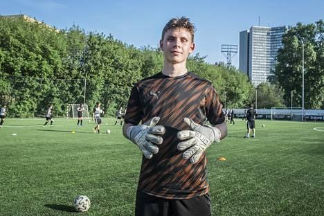 """""""Valmennuskulttuuri on täällä erilainen, tiukempi"""", Anton Kinnunen sanoo."""