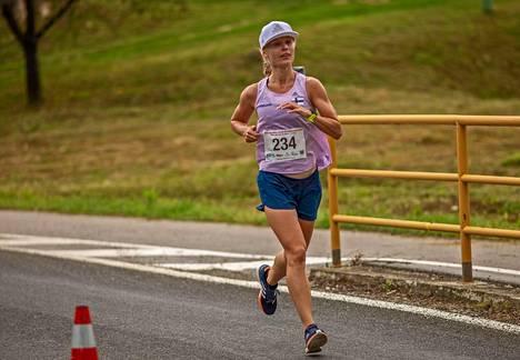 Noora Honkalalla oli onnistunut MM-debyytti sadalla kilometrillä.