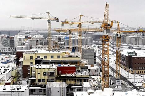 Rakennusyhtiö YIT:n omien laskelmien mukaan se pystyisi rakentamaan kerrostalon 15 prosenttia edullisemmin, jos viranomaiset tinkisivät vaatimuksistaan.