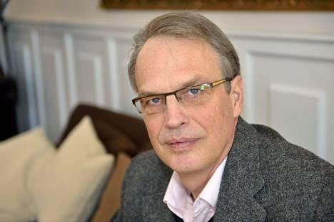 Kuntien takauskeskuksen toimitusjohtaja Heikki Niemeläinen Helsingissä maaliskuussa 2013.