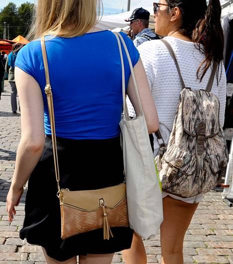 Laukkua ei kannata pitää selkäpuolella, mistä sitä ei itse näe.