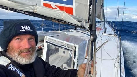 Ari Huuselan veneen nopeus nousi Nemon pisteen kohdilla Tyynellä valtamerellä parhaimmillaan 26 solmuun, 48 kilometriin tunnissa.