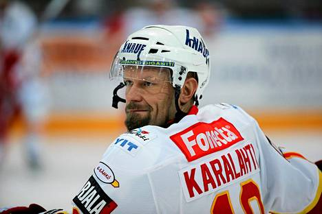 Jere Karalahti pelaa Jokereissa myös ensi kaudella.
