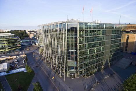 Helsingin Sanomien toimitus sijaitsee Sanomatalossa Helsingin keskustassa.