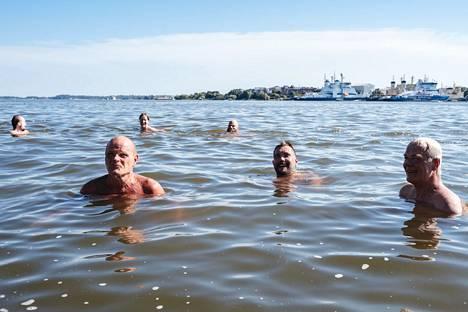 """Lintsi, Ari ja Pekka sanovat sen ääneen: """"Sompasauna on Stadin paras mesta."""""""