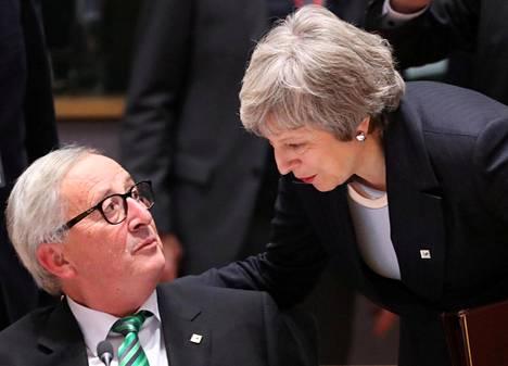 Britannian pääministeri Theresa May ja Euroopan komission puheenjohtajalle Jean-Claude Juncker keskustelivat Brysselissä joulukuussa.