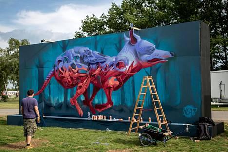 Pasilaan tulee muun muassa unkarilaisen Fat Heatin teoksia. Aikaisemmin taiteilija on maalannut graffiteja.