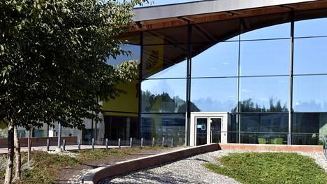 Saunalahden peruskoulu Espoossa on noussut tänä syksynä otsikoihin rehtorin irtisanomisen vuoksi.