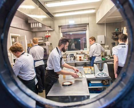 Uusi tulokas Helsingin gourmet-ravintoloiden joukossa on Kruununhaassa sijaitseva Ask. Viime keväänä se palkittiin Michelin-tähdellä.