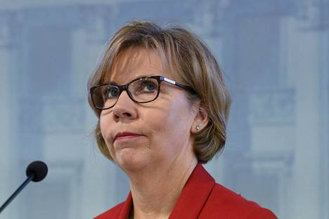 Oikeusministeri Anna-Maja Henriksson kertoi perjantaina, että kulutusluotoille tulee 10 prosentin korkokatto ja mainoskielto.