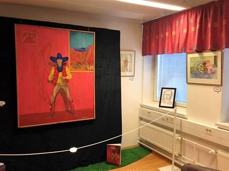 Kemin sarjakuvakeskuksessa on esillä Kalervo Palsan teoksia. Suurikokoisen teoksen nimi on Lännen viimeinen cowboy (1973-76).