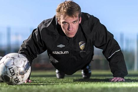 Jussi Vasara ehti pelata Veikkausliigaa FC Hongassa kahdeksan kautta ennen kuin siirtyi SJK:n riveihin.