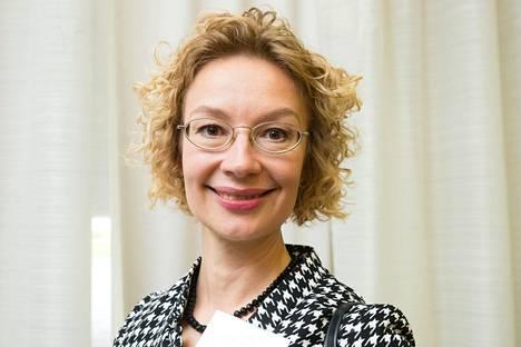 Naisverkoston puheenjohtajana toimii kansanedustaja Tytti Tuppurainen (sd).