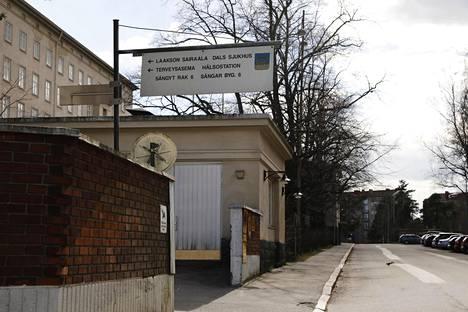 Laakson sairaala sijaitsee Helsingissä Laakson kaupunginosassa.