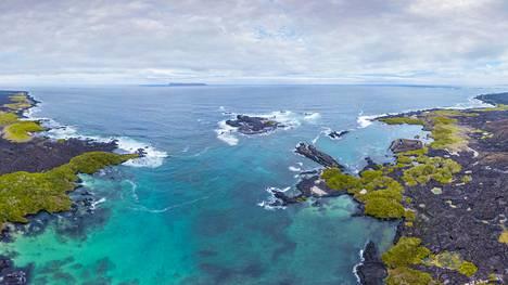 Ilmakuva Galápagossaariin kuuluvan Isabela-saaren rannikolta vuodelta 2018.