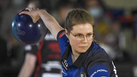 Eliisa Hiltunen voitti naisten SM-kullan keilailussa.