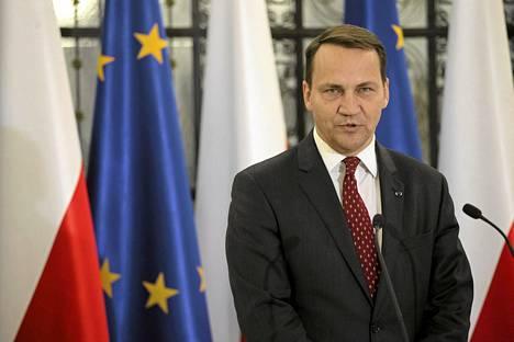 Radek Sikorski puhui Puolan parlamentissa syyskuussa.
