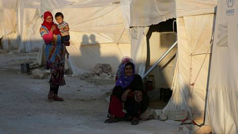 Syyrialaisia naisia Idlibissä heinäkuun lopussa.